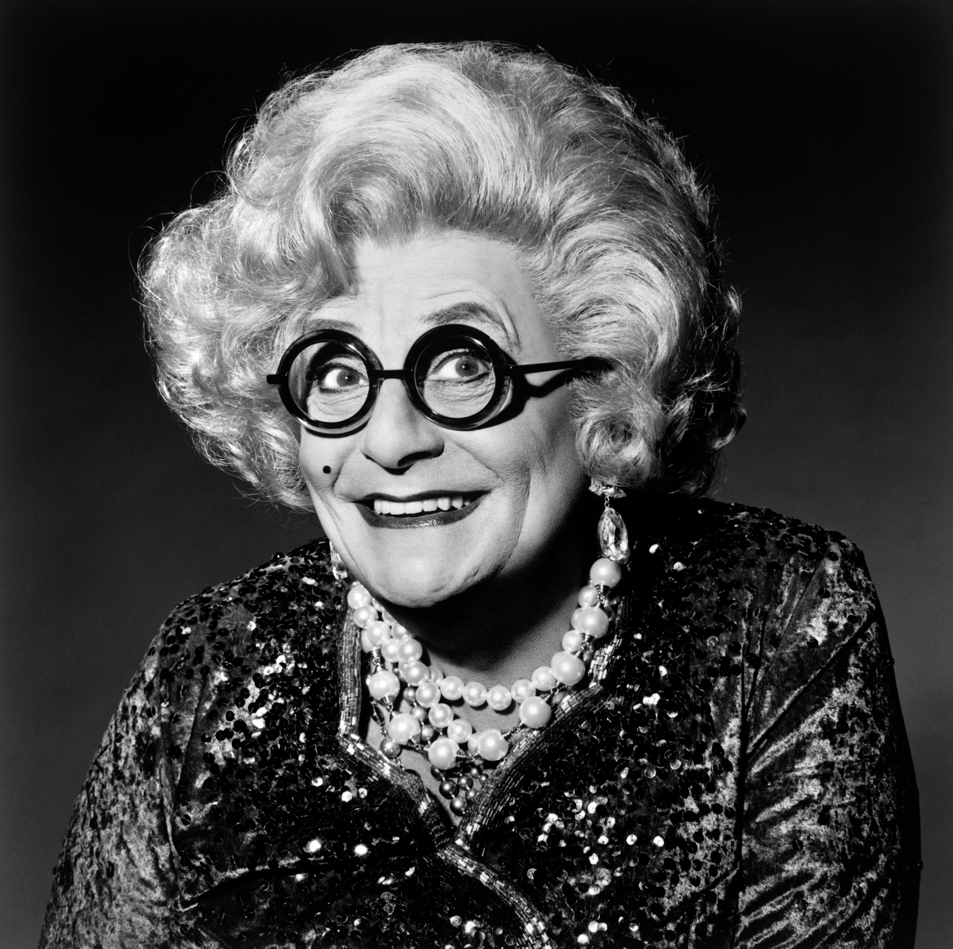 Dame_Edna_Everidge.tif